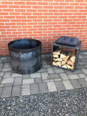 Bålsted 63 cm i diameter samt brændeopbevaring